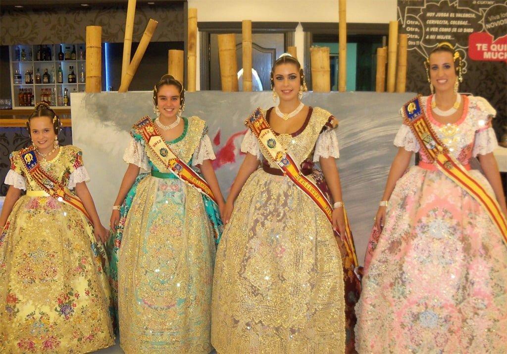 Dos chicas nuevas en la mansion de nacho vidal - 4 5