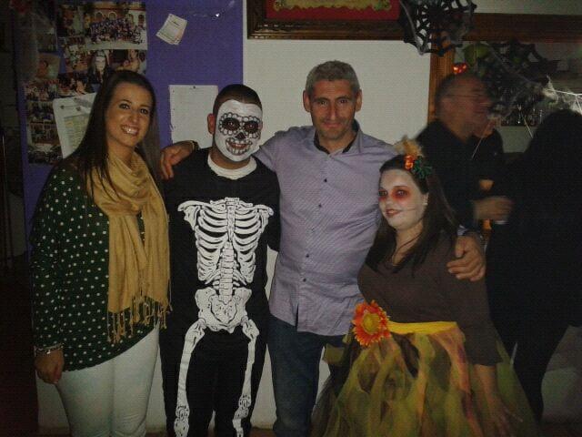 Marta Tabernero y Jaume Bertomeu en el Halloween de la Falla Campaments