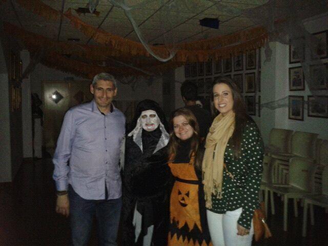Marta Tabernero y Jaume Bertomeu en el Halloween de la Falla Les Roques