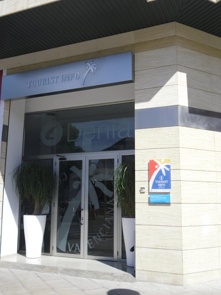 Dénia Tourist Office in Strasse Manuel Lattur