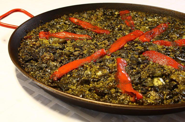 Paella de alcachofas y habas - Restaurante Isa