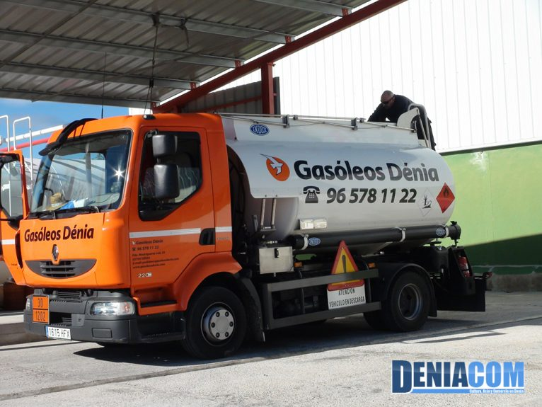 Camión Gasóleos Dénia