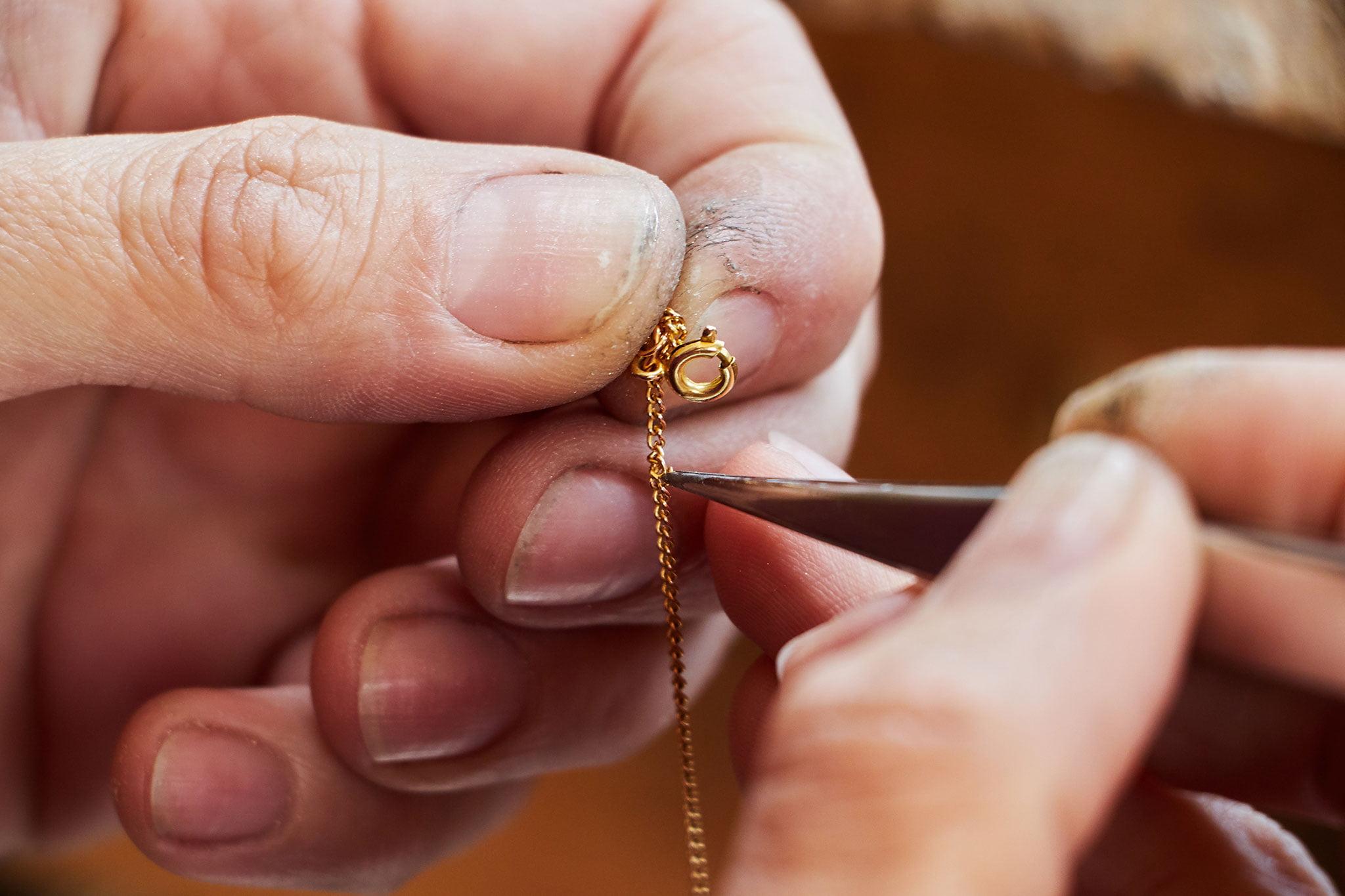 Reparación de joyas y relojes en Dénia – Joyería Bonilla
