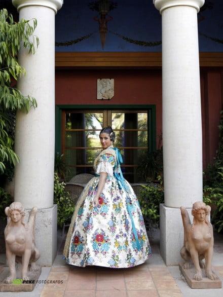 Anna-Sobrecases-dressed-by-LEspolí-440 × 586