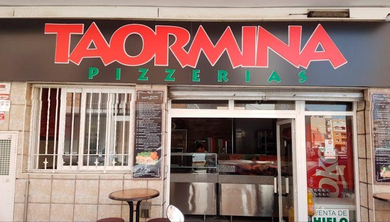 Fachada Pizzería Taormina