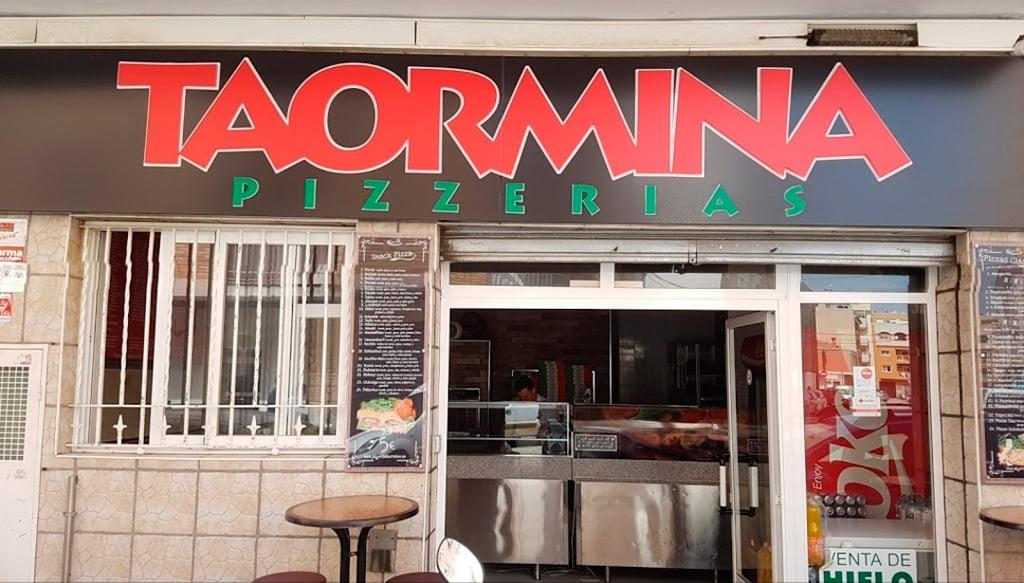 Facade Pizzeria Taormina