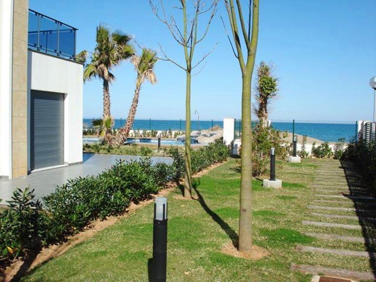 Promotion Alcazaba, 1º Beachfront, Km 3,5, 1 Las Marinas