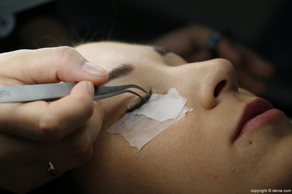 Extensiones de pestañas Centro de estética Guaraná