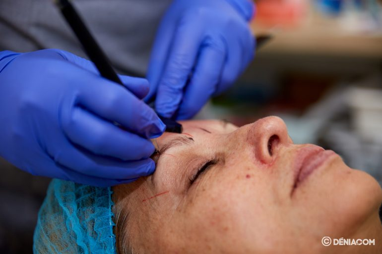 Eyebrow microblading in Dénia - Guaraná Beauty Center