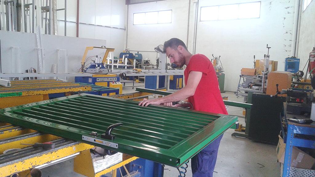 Puertas Alucardona Pvc y Aluminios, S.L.