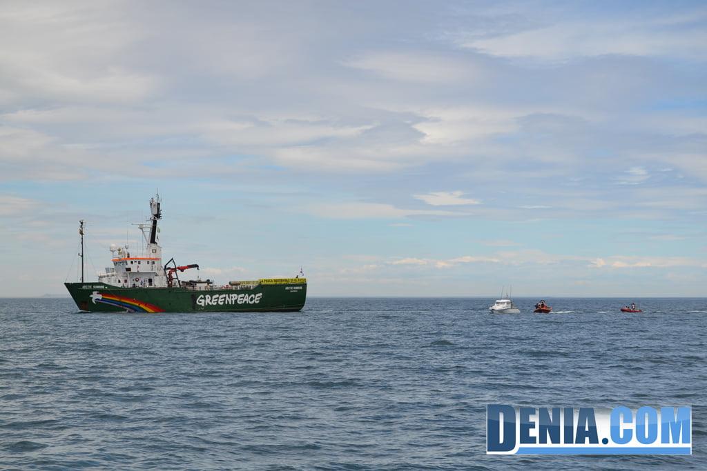 El Arctic Sunrise de Greenpeace visita Dénia 05