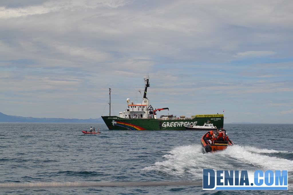 El Arctic Sunrise de Greenpeace visita Dénia 11