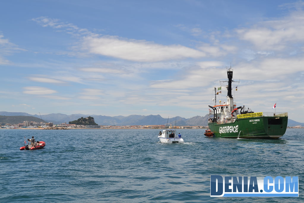 El Arctic Sunrise de Greenpeace visita Dénia 13