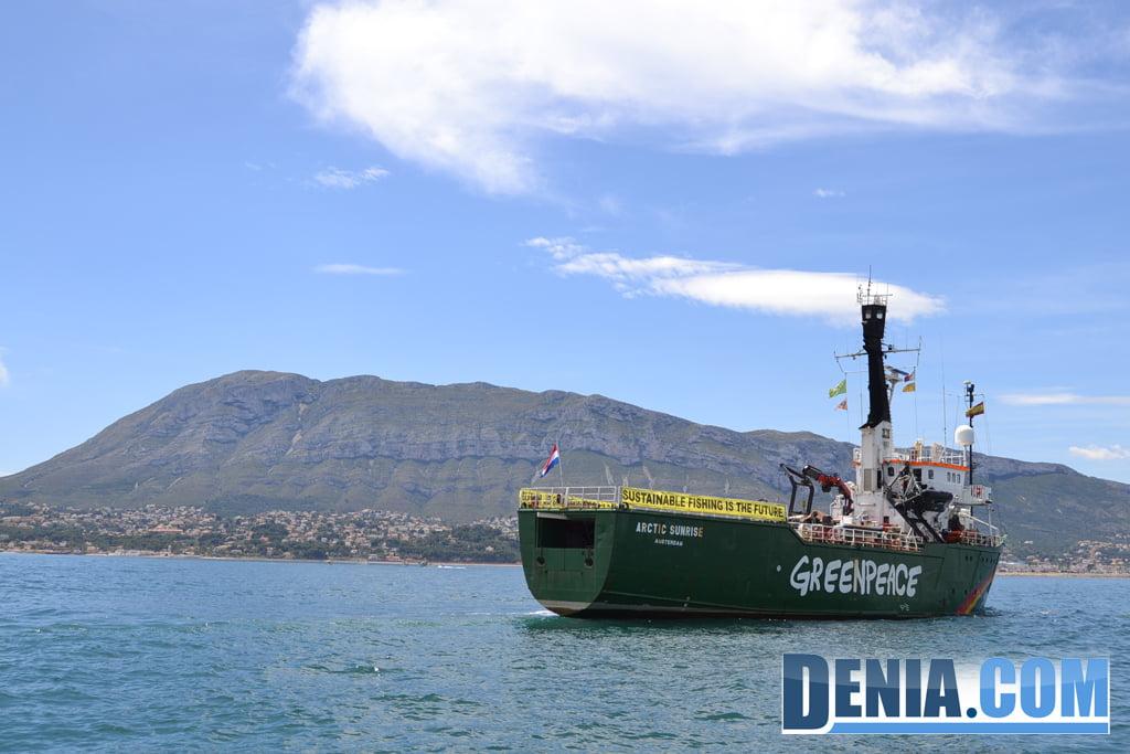 El Arctic Sunrise de Greenpeace visita Dénia 17