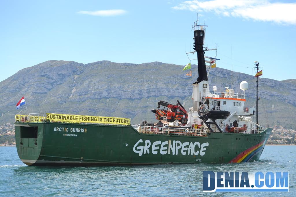 El Arctic Sunrise de Greenpeace visita Dénia 18