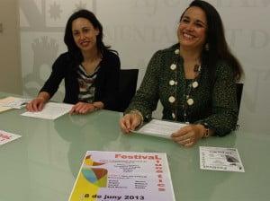 Isabel gallego y Amparo Martínez presentan el festival de fin de curso de Llunàtics