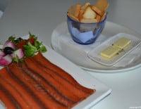 Plato de salmón ahumado de Ca Nano