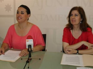 Isabel Gallego y Susana García presentan los cursos de verano