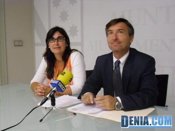 María Mut y Vicnte Chelet informan sobre la actualización del padrón municipal de Dénia