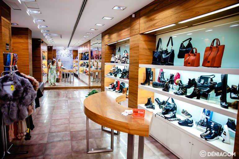Footwear and accessories Mrs. Calzados Ramón Marsal