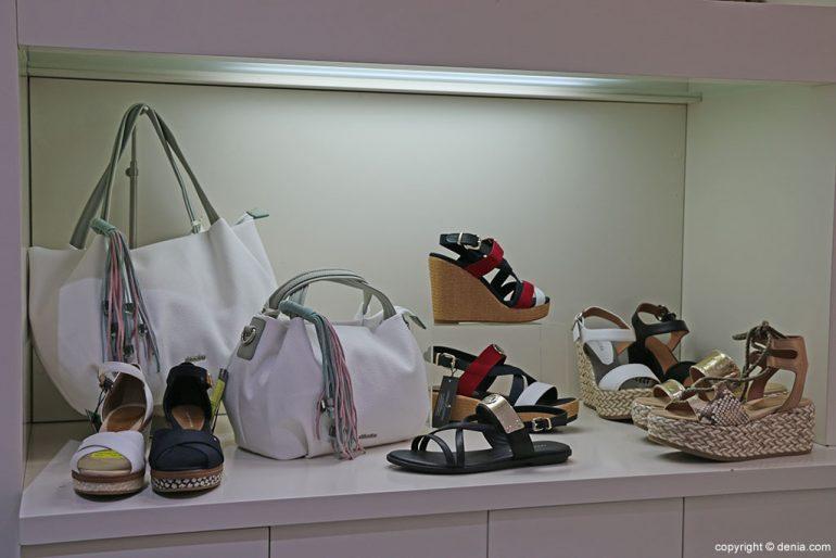 Sandals and handbags Calzados Ramón Marsal