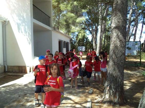 Los alumnos de la escuela de verano San Miguel en el Aula de la Naturaleza