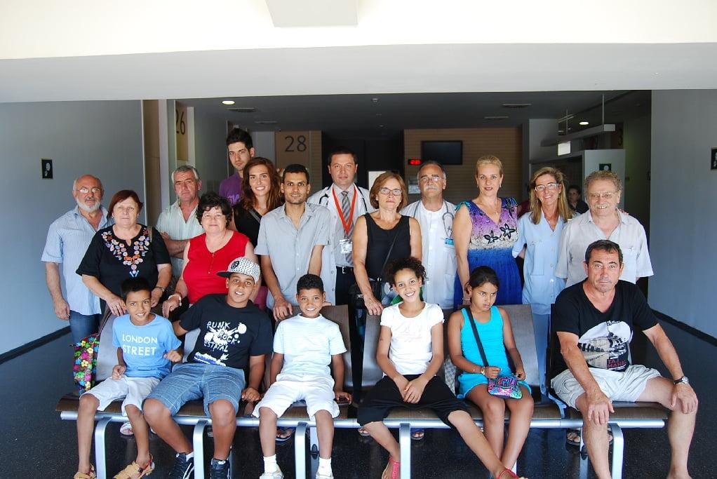 Niños saharauis que pasan el verano en la Marina Alta y sus familias de acogida
