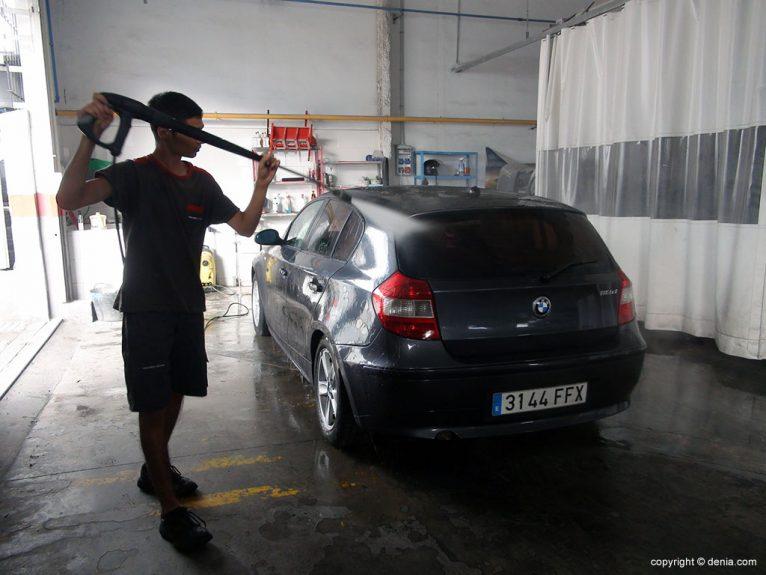 Talleres Salvà, limpieza de vehículos