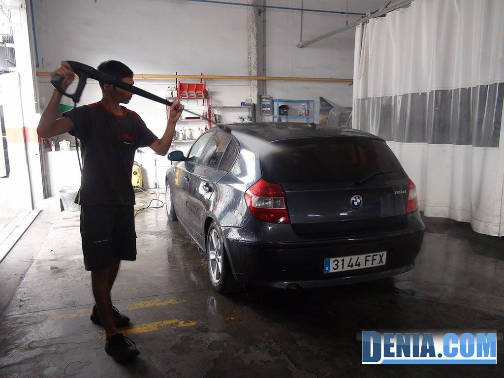 Talleres Salvá, limpieza de vehículos