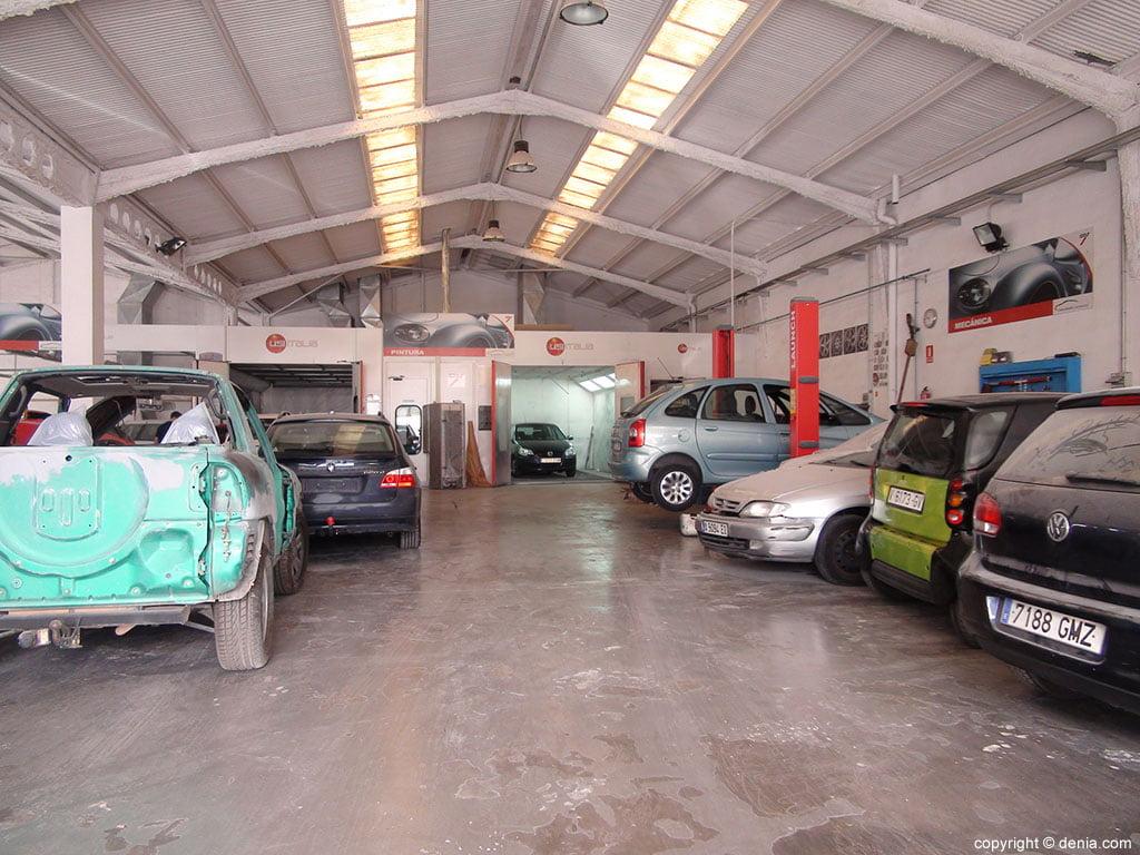 Talleres Salvá, taller mecánico, chapa y especializado en pintura para coches Dénia