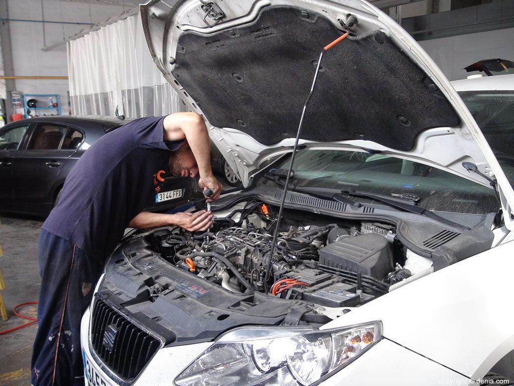Talleres Salvá, taller mecánico de coches y sistemas eléctricos