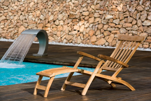 Mant n tus muebles de teka como el primer d a y disfruta del verano al aire libre d - Como limpiar los muebles de madera ...