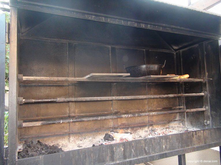 Hotel Mar Noguera cocina a la brasa