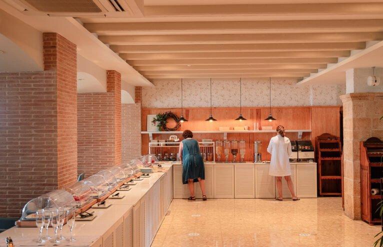 Buffet desayuno Hotel Los Ángeles