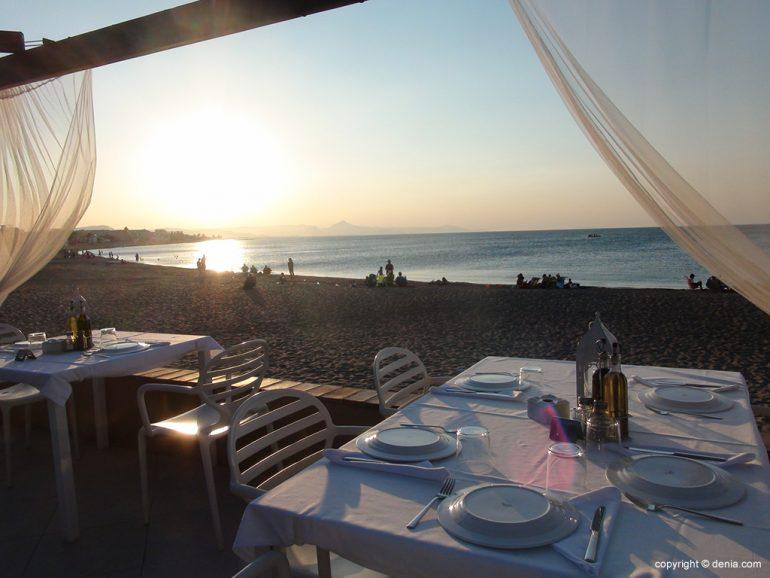 Terrassa al costat del Mar a Noguera Mar Hotel