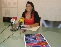 Isabel Gallego presenta un curso de inlés avanzado para jóvenes dianenses