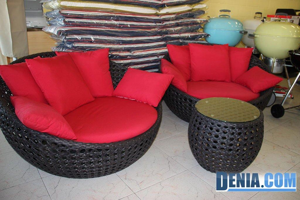 Mobel sol d nia sillones de exterior en tapizado rojo for Sillones para jardin exterior