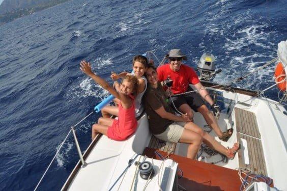 Navega Velas y Viento, aprende a navegar a vela y disfrutar del mar.