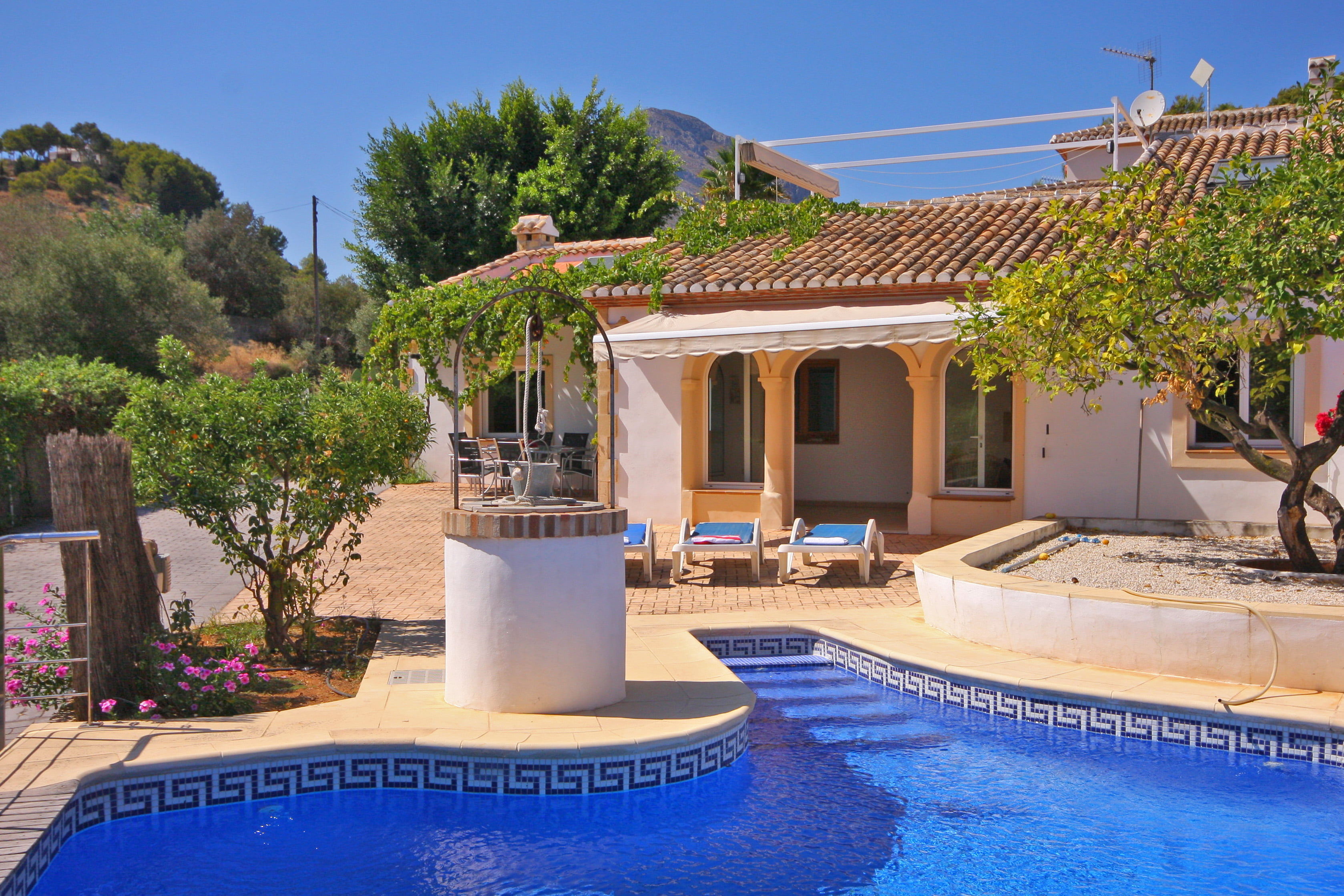 Buying houses and villas in Costa Blanca Property Consulting