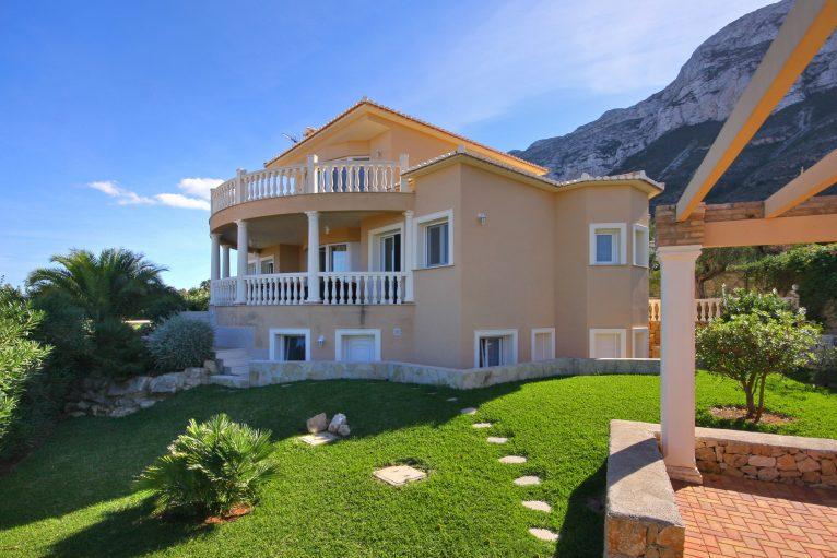 Villas en venta en Costa Blanca  Property Consulting