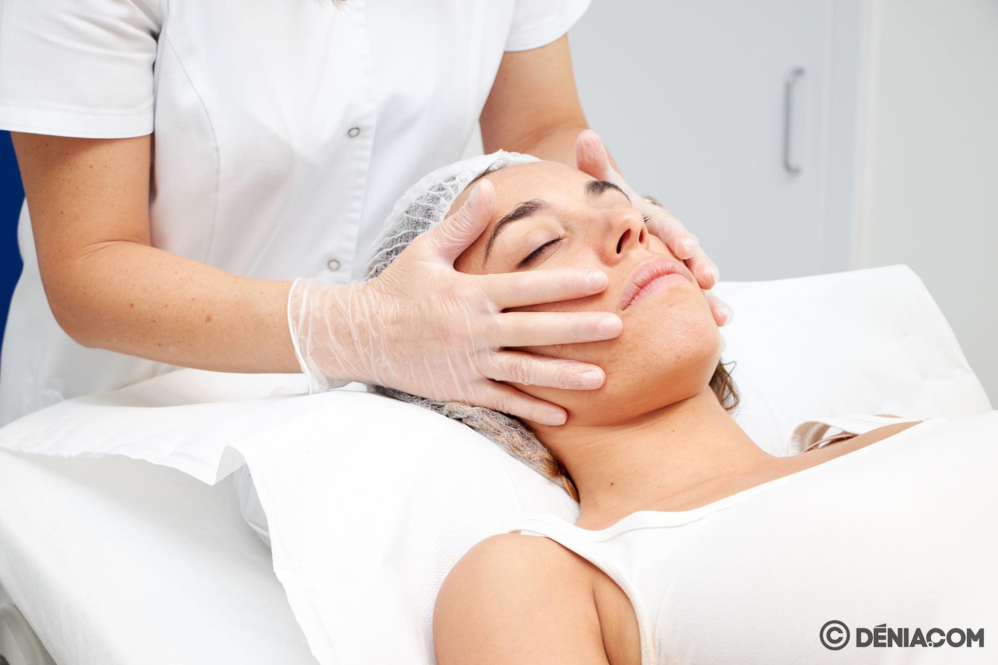 Peeling facial en Dénia – Clínica Doctora Castelblanque