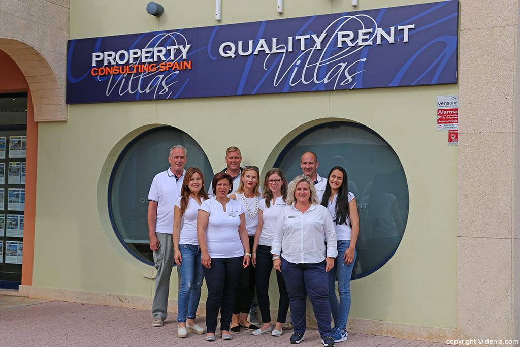 Quality Rent a Villa equipo