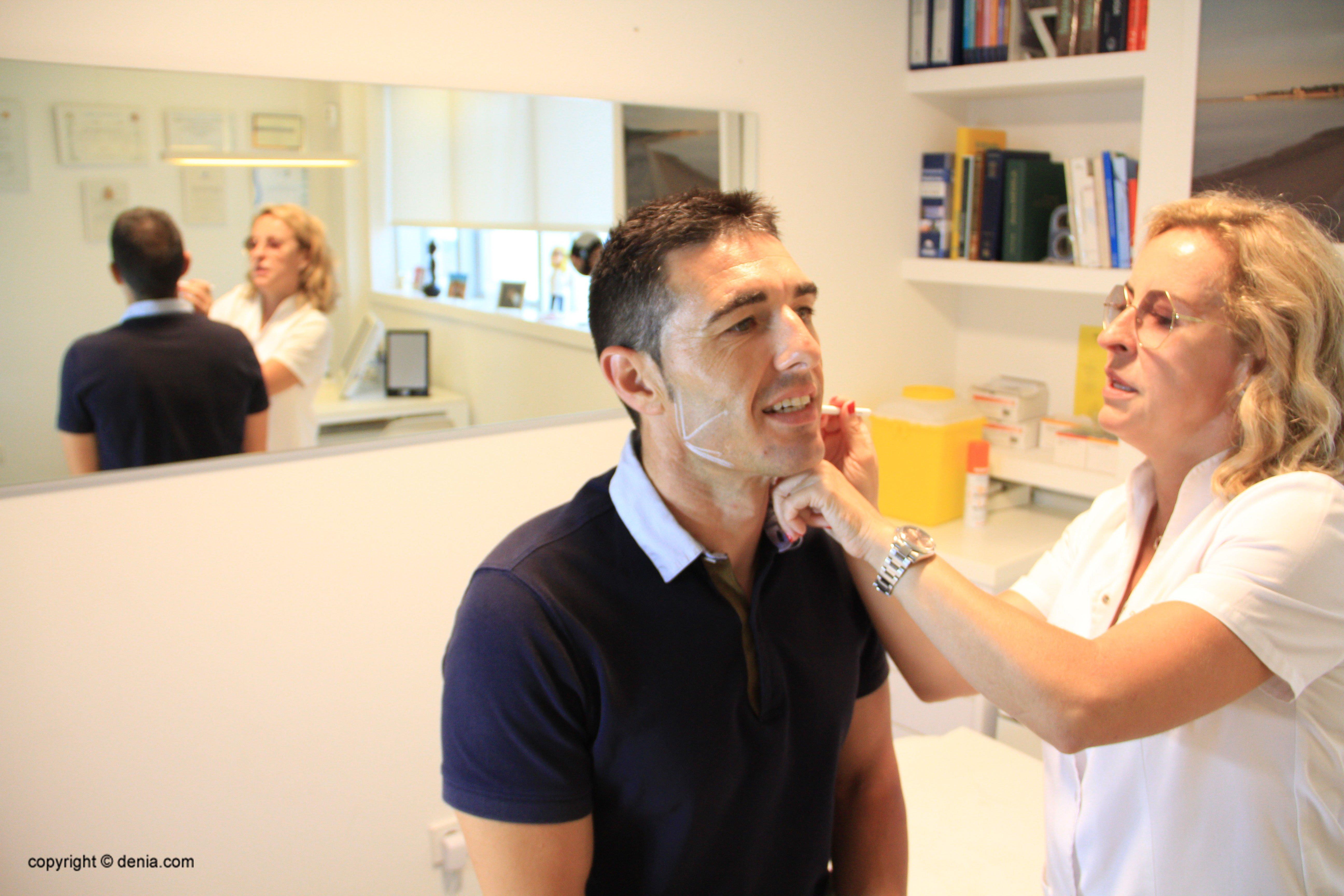 Enhance челюсти мужчины - Эстетическая клиника Castelblanque