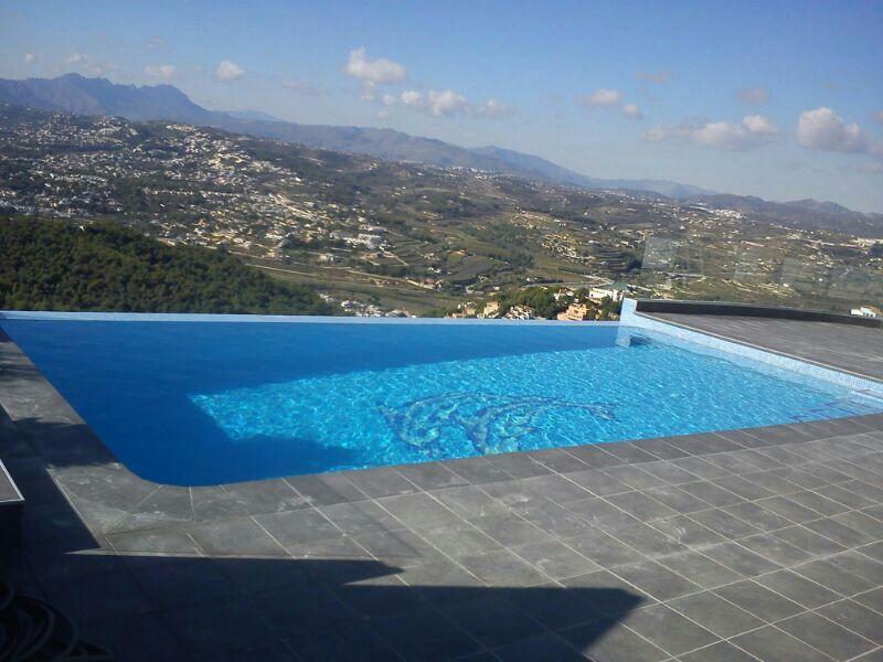 Construcci n de piscinas particulares y p blicas denipool for Piscinas particulares