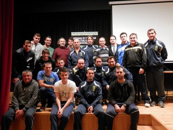 Entrenadores de la Escuela Municipal de Fútbol ampliaron conocimientos