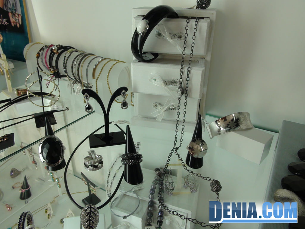 Oui - Silver and Jewelery in Dénia 07