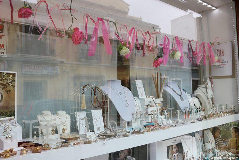 La Joia showcase jewelry