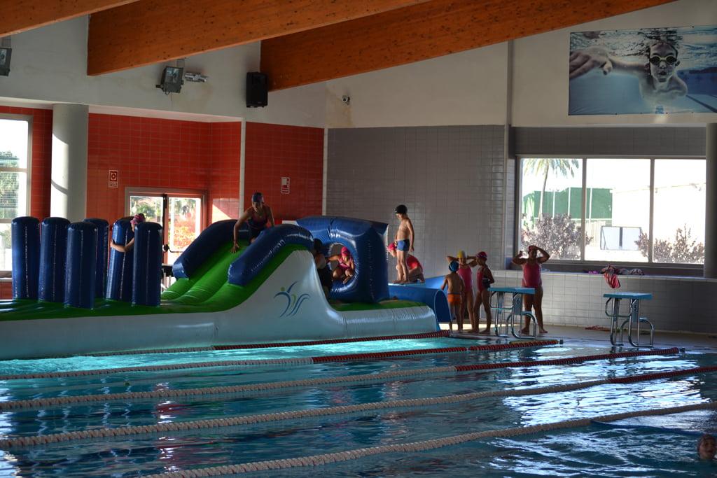 Activitats infantils a la piscina del Centre Esportiu Dénia