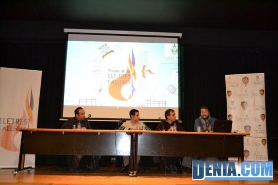 Charla sobre los premios Lletres Falleres en Dénia