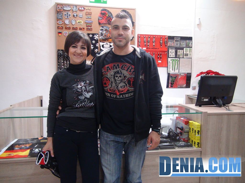David y Maria, emprendedores de Costa Blanca Moto Store